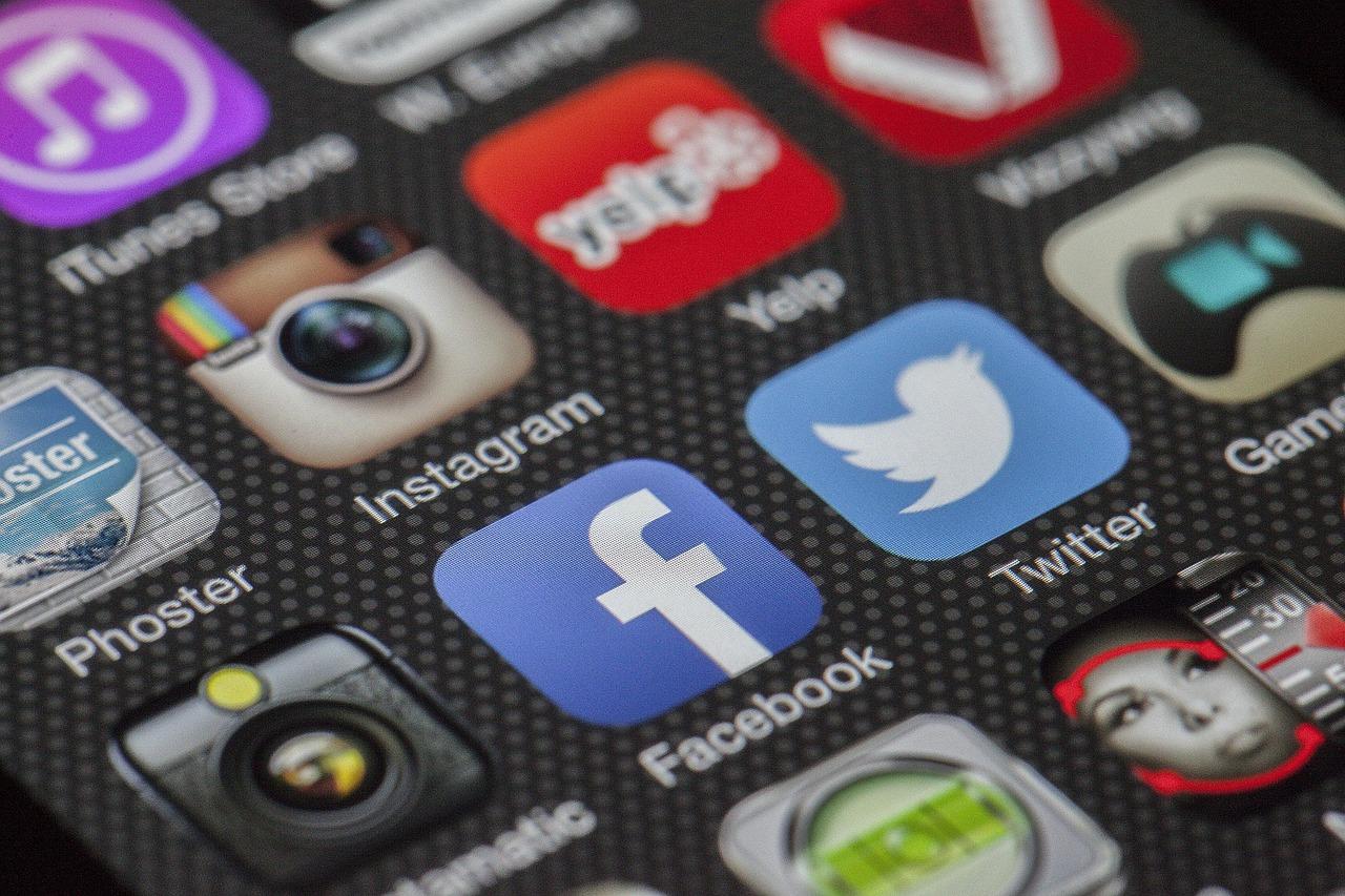 Cover per Facebook personalizzate con Adobe Spark la nuova era del visual